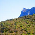 Vista del Cim del Benicadell desde la senda de bajada a Carrícola