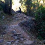 Sendero de herradura hacia el Castillo de Ahín