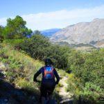 Bajada por la senda hacia el Barranco de Sacarest