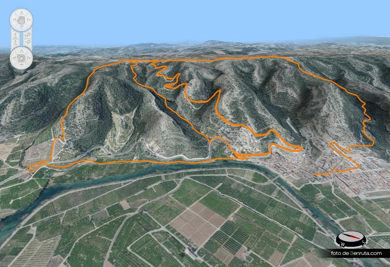 Vista del recorrido con la subida y las 3 sendas de bajada