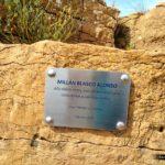 Placa en memoria de Millán Blasco