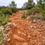 El sendero en su tramo final tiene un buen desnivel