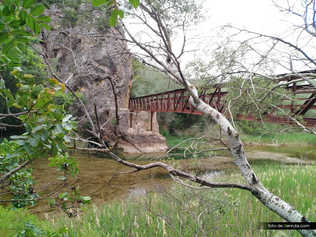 Puente superado. Aunque no lo parezca la altura es considerable