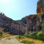 Al inicio de la ruta el cañón todavía está abierto