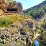 Vista del cañón y la Cueva de las Albardas
