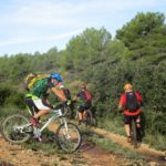 Dejamos la pista para inciar la subida hacia el Barranc de Pons
