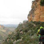 Sendero de vuelta a Cortes junto al acantilado