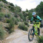 Senda por la ruta de los Calderones