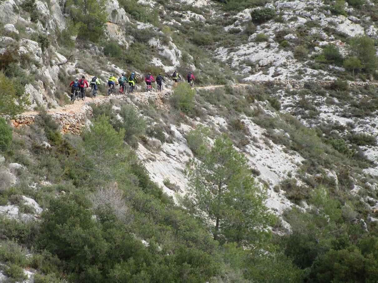 Inicio de la senda del Barranco de la Font de Fontanares