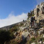 Bajada final hacia el pantano de Guadalest