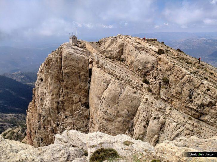 Ruta clásica a la cima del Penyagolosa desde San Juan Bautista