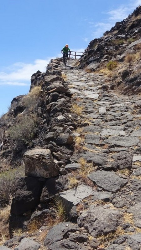 Senda empedrada del Camino del Time al Puerto de Tazacorte