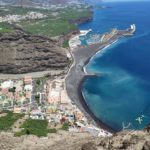 Vista del Puerto de Tazacorte al inicio de la bajada del Camino del Time