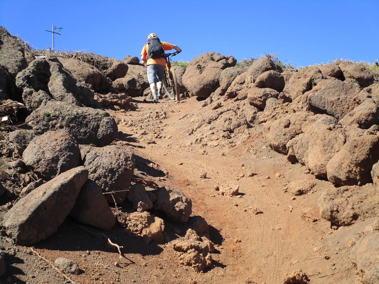 Toca empujar para llegar al Pico de la Cruz