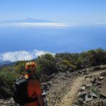 Frente a nosotros el Teide y la Gomera