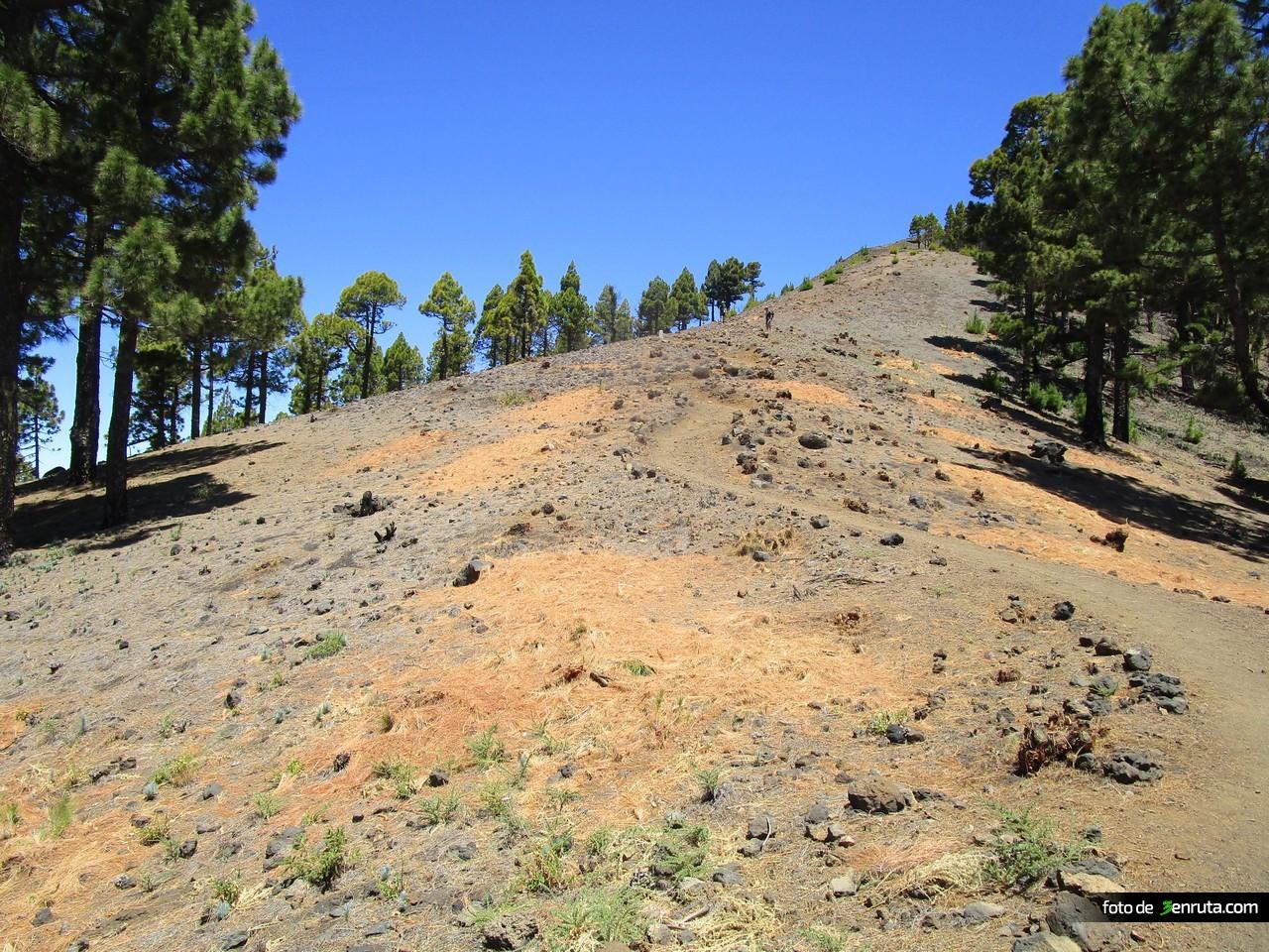 Inicio de la subida al Volcán de la Deseaada