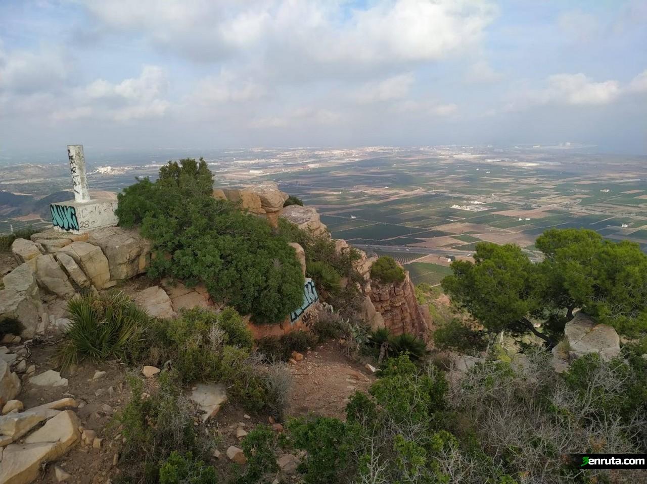 Vértice geodésico del Monte Picaio