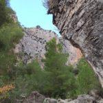 Empiezan a asomar las altas paredes del cañón