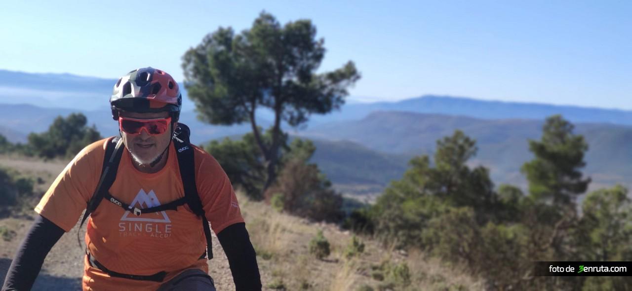 Jordi C. subiendo hacia El Cartero