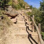 Llegamos a las primeras escaleras que tendremos que superar