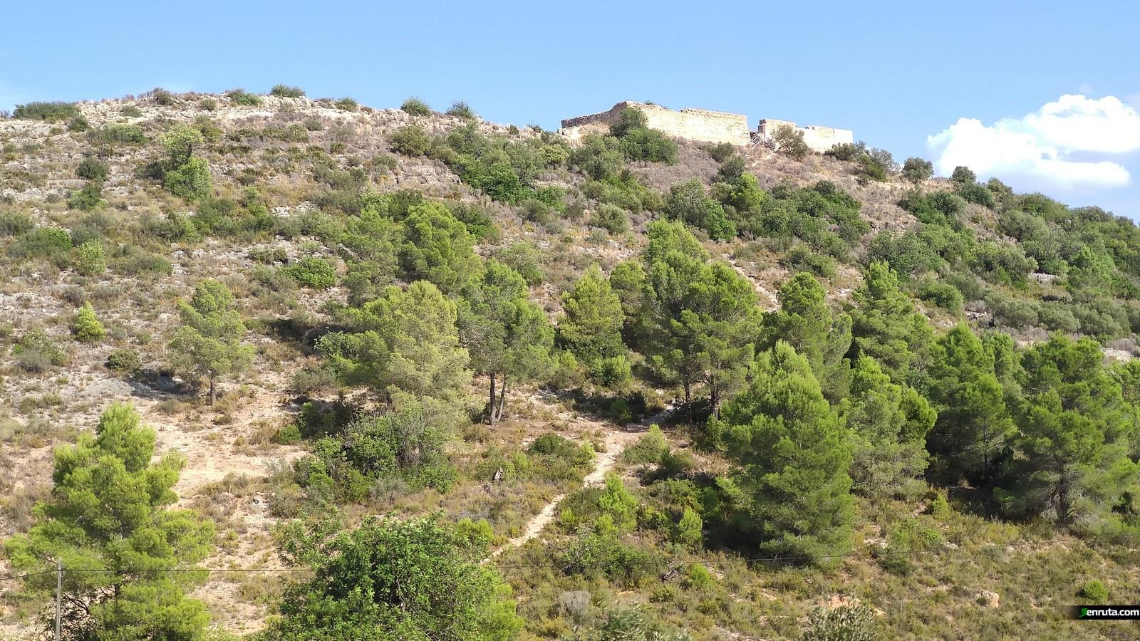Vista del Castillo de Navarrés una vez abajo