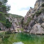Una de las muchas pozas de agua clara que forma el Rio Matarraña en el Parrizal