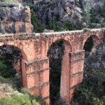 El Acueducto Romano de Peña Cortada en Calles