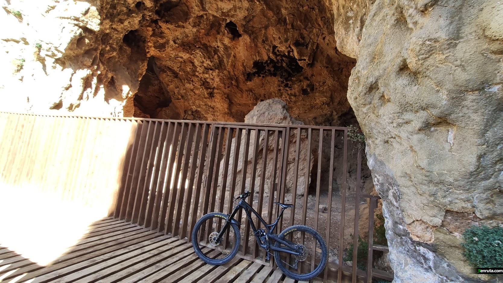 Cueva de la Tosca en Vallanca