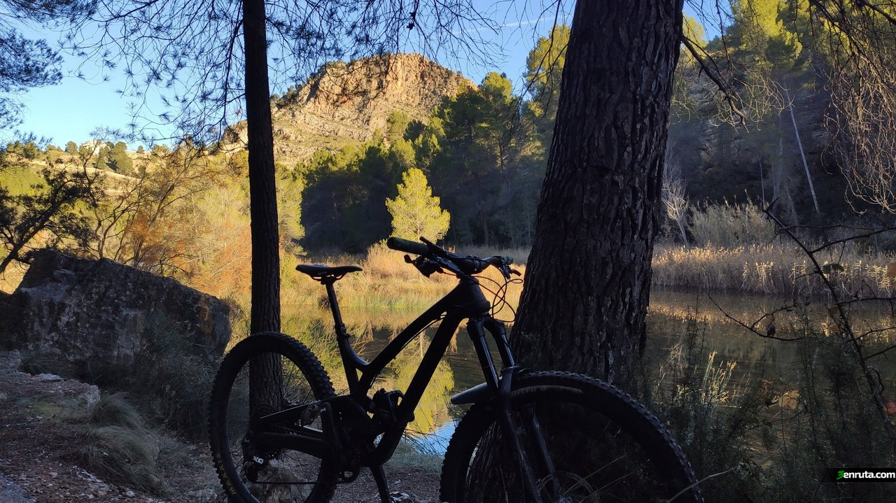 Junto al río Cabriel