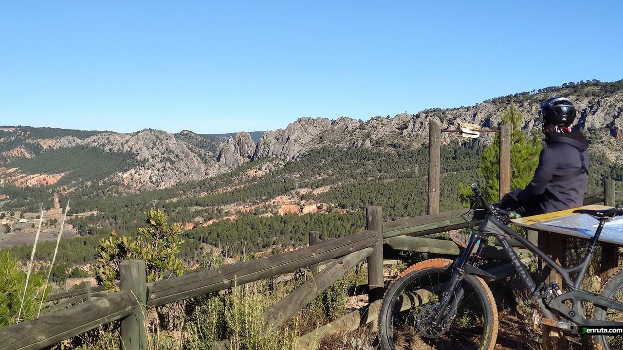 Disfrutando de las vistas del Valle de la Fonseca