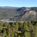 Vista del embalse de Arenoso desde la subida por El Camino de la Arcilla