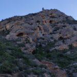 Durante el primer tramo nos rodean bonitas paredes de roca