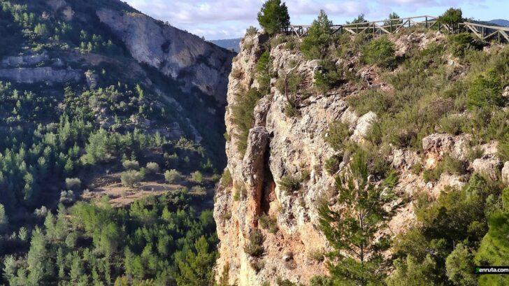Chera – Embalse del Buseo – Mirador de la Fuente del Puerco – Barranco de la Hoz