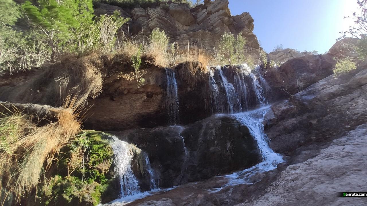 Pequeña cascada en el interior del Barranco de la Hoz
