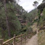 Sendero llegando al Salto de la Novia de Cirat