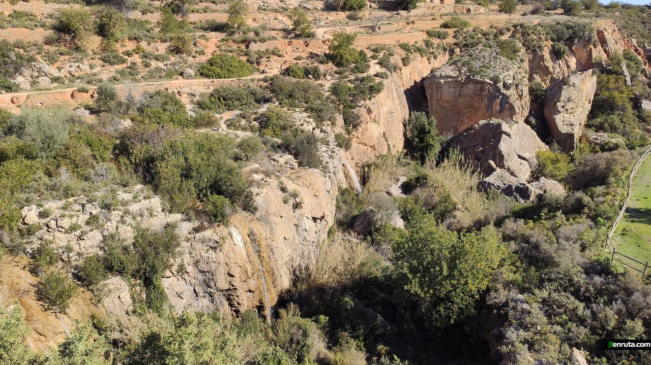 Barranco junto al sendero de la Cueva de las Palomas