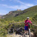 Pausa a mitad de subida al Castillo de Chirel