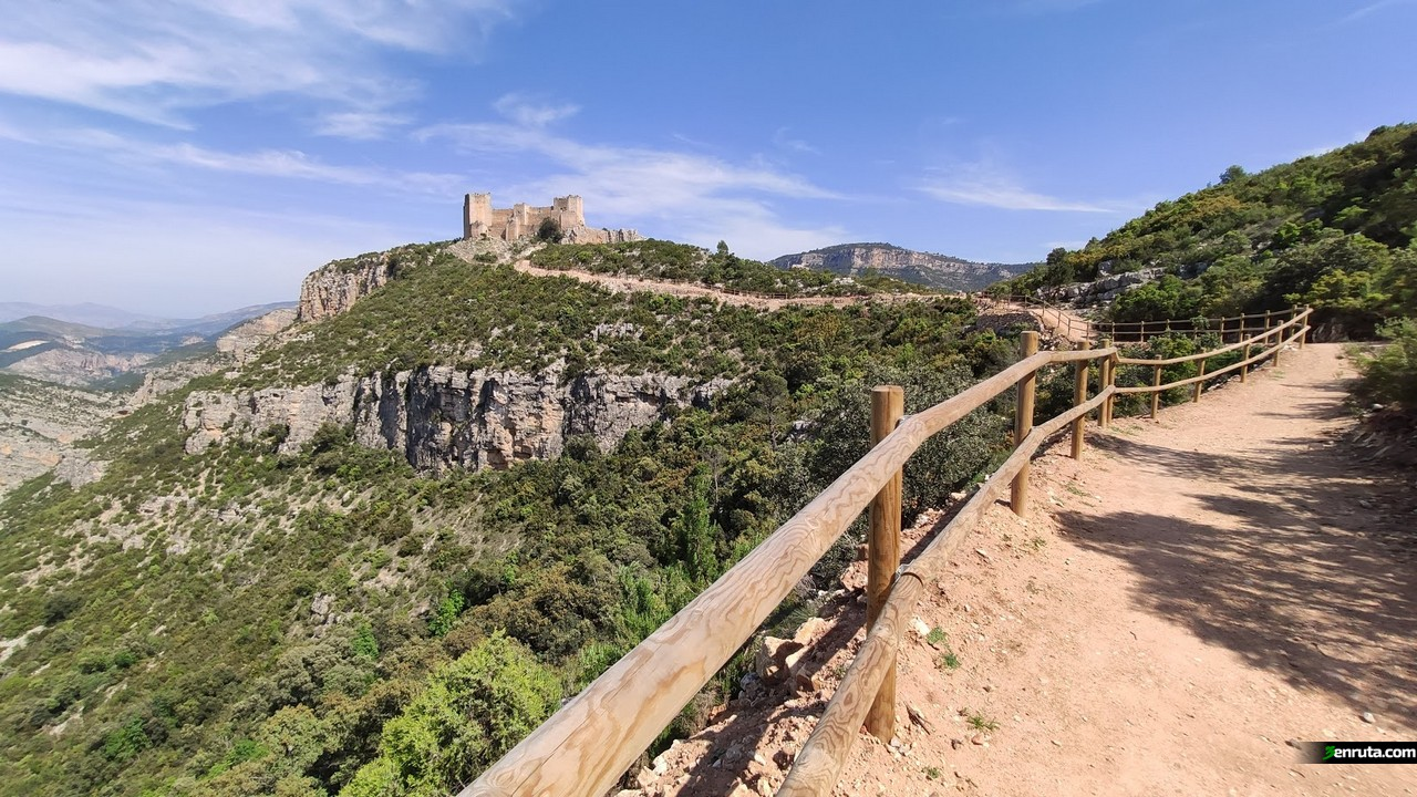 Llegando al Castillo de Chirel