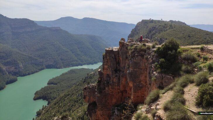 Cofrentes / Cortes de Pallás. Una ruta MTB con 4 lugares «must visit»