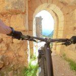 Iniciamos la bajada desde el Castillo de Chirel